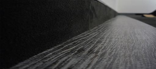 Velour Lederboden mit Holz